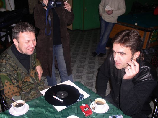Вячеслав Бутусов и основатель вечеринок Андрей Тарасенков