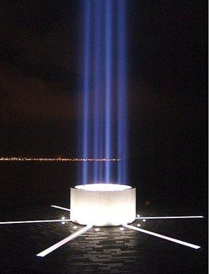 Башня мира Imagine Peace Tower была открыта в Исландии 9 октября 2010 вдовой Джона Леннона Йоко Оно